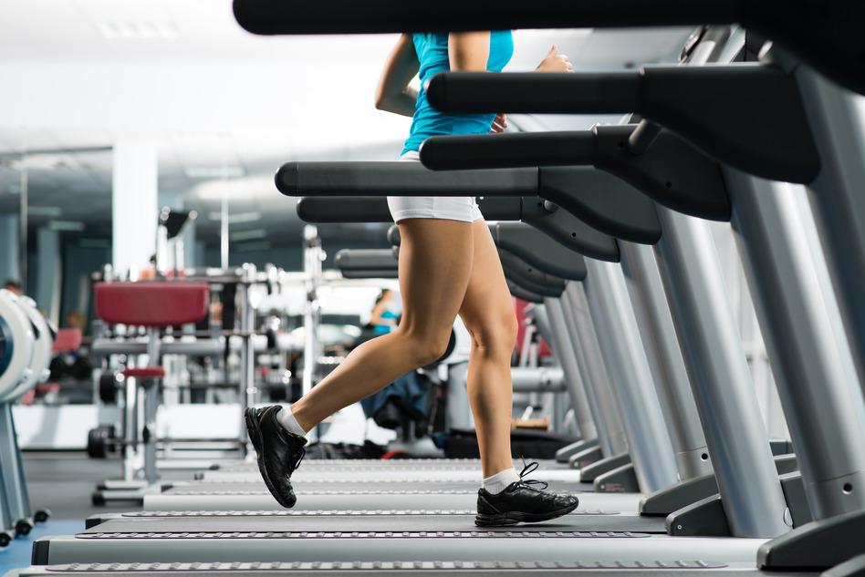 photodune-4422656-woman-running-on-a-treadmill-s.jpg