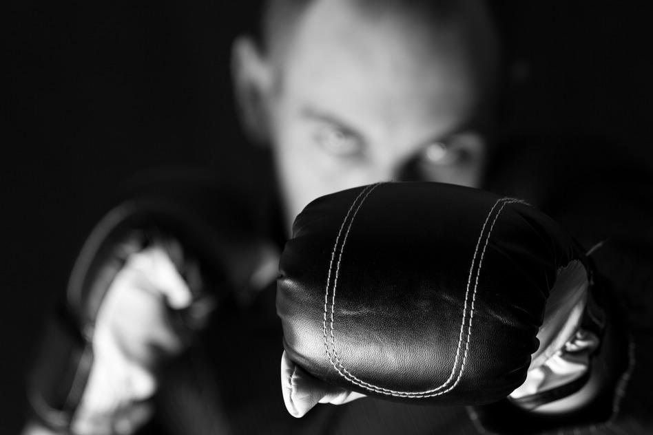 photodune-4927724-suit-boxing-s.jpg